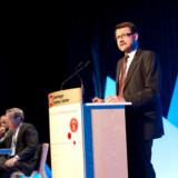 Videnskabsminister Helge Sander, som her taler ved en konference, har fået hård kritik for ikke at interessere sig nok for IT- og telebranchen. Foto: Jens Nørgaard Larsen, Scanpix