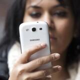 Danskerne er de første i Europa, der får muligheden for at kunne bruge 4G i udlandet - men det er lige så dyrt som hidtil bare hurtigere. Foto: Neil Hall, Reuters/Scanpix