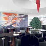 Det nye Salzburg er blandt andet i glas og stål som her i Hangar 7.