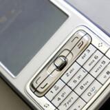 Det bliver muligt at tale i mobil under flere og flere flyvninger.