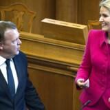 ARKIVFOTO. Ny måling sender Venstre helt i knæ og giver flertal til Helle Thorning-Schmidt.