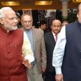 Indiens premierminister, Narendra Modi, mødtes juledag med sin pakistanske kollega, Nawaz Sharif, i Pakistan.