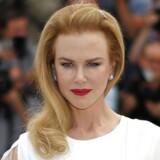 """Nicole Kidman spiller hovedrollen som Grace Kelly i """"Grace of Monaco"""". Her deltager hun i en pressekonference ved filmfestivalen i Cannes."""