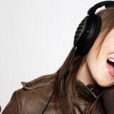 Musikbranchen mener at kunne gøre op, at 95 procent af alle hentede musikfiler fra nettet er ulovlige. Foto: Colourbox