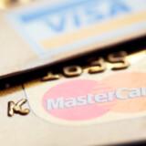 Vær opmærksom på det gebyr, som udbyderen af dit kort kræver, hver gang du stikker det i en automat i udlandet.