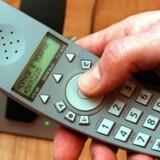 Bang & Olufsens trådløse Beocom 6000-telefon kom på markedet i 1998  men er en digital telefon og vil derfor fortsat kunne anvendes efter  nytår. Foto: Erik Jepsen, Scanpix