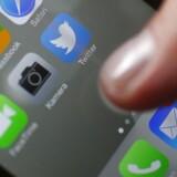 Twitter får flere brugere på mobile enheder, men væksten i det samlede antal brugere går langsommere.