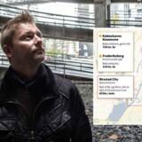 Anders Lykkegaard Nielsen og de øvrige bilejere i Ørestad betaler 14 gange så meget i parkeringsafgift som de københavnere, der bor i brokvarterene og indre by. Til gengæld kan de stille bilen indendørs i et parkeringshus. »Jeg synes ikke, at parkeringshuset er særlig fancy. Vi ville gerne have gadeparkering, hvis vi kunne få det til den pris, man kan inde i byen,« konstaterer han. Foto: Niels Ahlmann Olesen