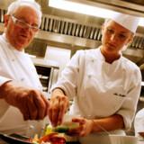 Den danske kok Mie Bostlund arbejder ved siden af spanske Baskerland top kok Juan Mari Arzak på hans restaurant Arzak.