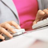 Hjemme-PCer, mobiltelefoner og Internet-forbindelser vil koste 5.000 kroner i skat fra næste år. Det er i gang med at ødelægge Danmark, mener også teleselskabet 3, som nu starter en underskriftindsamling. Foto: Colourbox