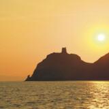 Efter fængslet på Capraia blev lukket, blev størstedelen af øen udlagt som nationalpark, hvorfor man ikke finder bebyggelse eller anden form for »turismekultivering« uden for øens to små byer.