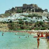Sammen med Tyrkiet, Kreta, Mallorca og Bulgarien er Rhodos et af de rejsemål, der som følge af SP-udbetalingerne har oplevet øget popularitet.