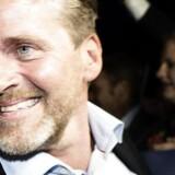LA valgfest. Anders Samuelsen (I) og Simon Emil Ammitzbøll ankommer til Liberal Alliance valgfest. Liberal Alliance holder valgfest i Børsen ved Christiansborg på valgdagen, torsdag den 18. juni 2015.