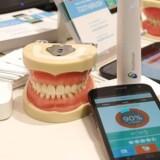 Her er verdens første netopkoblede tandbørste. Klik dig videre her i billedserien og følg med på den messe i Las Vegas, hvor vores journalist, Annette Sand, lige nu befinder sig.