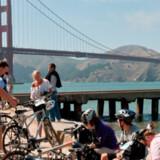 Firmaet Bike & Roll arrangerer dagligt en tur der går over den verdensberømste seks-sporede bro Golden Gate Bridge.