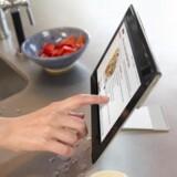 Xperia S er Sonys anden tavlecomputer med Android. Den bevarer det karakteristiske design à la en foldet bog. Foto: Sony