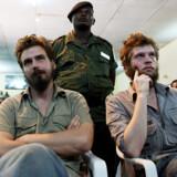 Tjostolv Moland (t.v.) og Joshua French under domsafsigelsen i går i Kisangani i Den Demokratiske Republik Congo (DRCongo), hvor de to nordmænd blev dømt til døden. De to nordmænd er blandt andet tiltalt for at have dræbt chaufføren Abedi Kasongo i begyndelsen af maj i år.