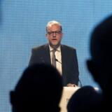 Venstres energi-, forsynings- og klimaminister, Lars Christian Lilleholt, glæder sig over det store antal interesserede i at opføre Kriegers Flak. Her er han fotograferet ved åbningen af DONGs tyske havvindmøllepark Borkum Riffgrund 1.
