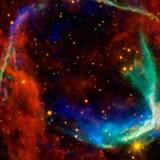 Resterne af den mere end 1.800 år gamle supernova ses her som lysende gasser på stjernehimlen omtrent 8.000 lysår fra vores breddegrader.