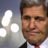 Den amerikanske udenrigsminister, John Kerry, blev søndag aften fanget i at kritisere Israel.