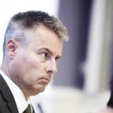 Erhvervs- og vækstminister Henrik Sass Larsen (S) advares af flere bankdirektører mod at gribe ind i danskernes afdragsfrihed.