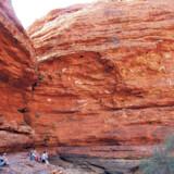 The Olgas er en serie af klipper, der næsten er mere imponerende end Ayers Rock.