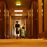 The Pierre Hotel har besluttet at udstyre rengøringspersonalet med overfaldsalarmer.
