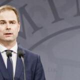 """Pressemøde i Spejlsalen på Statsministeriet, hvor blandt andre forsvarsminister Nicolai Wammen (S) præsenterede """"Et stærkt værn mod terror - 12 nye tiltag mod terror""""."""