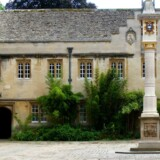 Corpus Christi College i Oxford. Grundlagt 1517 af Richard Foxe, Biskop af Winchester og er en del at Oxford Universitet.