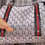 Er denne Gucci-taske den ægte vare? Pas på, hvis du køber for billige mærkevarer i udlandet - glæden kan let blive overtaget af en kæmpe bøde.