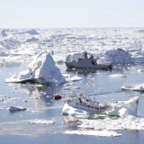 Kampen om den kontroversielle arktiske olie fortsætter, ikke mindst i Grønland.