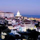 En gruppe portugisiske familier, har sat sig for at restaurere og renovere nogle af Lissabons spektakulære bygninger - den ældste er fra 1765 og den nyeste blev bygget i 1953.