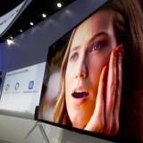 Interessen for forbrugerelektronik - fladskærms-TV, computere, tavle-PCer, mobiltelefoner, køkkengrej, vaskemaskiner og meget, meget mere - er uden ende, men pengepungen sætter grænser. Foto: Steve Marcus, Reuters/Scanpix