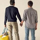 Italienere raser over IKEAs reklame med et homoseksuelt par.