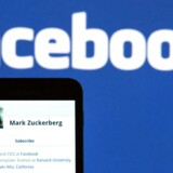 Mark Zuckerberg forsøger at mane rygter om en kommende Facebook-telefon i jorden.
