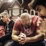 Fællesbøn for kristne asylansøgere i Apostelkirken lørdag aften. Foto: Olafur Steinar Gestsson