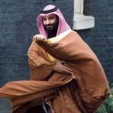 Saudi-Arabiens magtfulde kronprins var tidligere en yndet gæst i Vesten, som han forsøgte at overbevise om sin rolle som Golfens dynamiske, unge leder. Her er han på vej til møde i Downing Street i London i 2018.