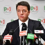 Den 43-årige Renzi blev for et par år siden anset for at være den eneste politiker, som kunne bringe Italien på ret køl, men før valget blev han på få måneder en af Italiens mest upopulære politiske ledere.