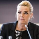 Inger Støjberg (V) er beskyttet af et skjold af rå, politisk magt i sagen om de såkaldte barnebrude har Berlingskes politiske redaktør, Kasper Kildegaard, tidligere skrevet.