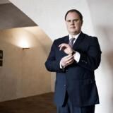 Portræt af Martin Henriksen, folketingsmedlem for Dansk Folkeparti, som fortæller, at han ikke har problemer med at diskriminere. Diskrimination er at gøre forskel på folk, og det er i orden nogle gange, mener han. Arkivfoto.