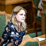 Møde i Folketingssalen tirsdag den 23. maj 2017. Her er det Johanne Schmidt Nielsen.. (Foto: Ida Guldbæk Arentsen/Scanpix 2017)