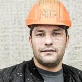 »Jeg er kommet til et nyt land, så jeg starter fra nul. Arbejde er vigtigt for mig, for jeg har mit liv i Danmark nu,« siger Abdu Bari Hamdrad. Halvandet år efter at være kommet til Danmark arbejder han i en ustøttet stilling hos CRH Concrete ved Roskilde.