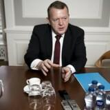 Statsminister Lars Løkke Rasmussen fortryder ikke, at han tog imod et gratis ferieophold i Skagen, men erkender, at hele sagen efterfølgende kan »se lidt skæv ud«.