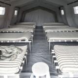 Fotografi af interiør i telt-asyllejr i Thisted.