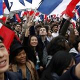 De første prognoser viser, at Emmanuel Macron vinder det franske præsidentvalg. / AFP PHOTO / Patrick KOVARIK