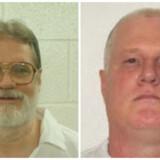 Henrettelserne af Bruce Ward (højre) og Don Davis (venstre) er blevet bremset i sidste øjeblik.