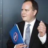 Dansk Folkepartis Martin Henriksen mener ikke at udlændingeminister Inger Støjberg har gjort noget forkert i sagen om barnebrude.
