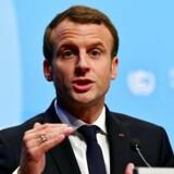 Macron mødes lørdag med Libanons premierminister i Paris / AFP PHOTO / John MACDOUGALL