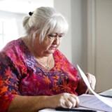 Ældreminister, Thyra Frank, afviser, at hun har begået dokumentfalsk ved at kopiere en arbejdspladsvurdering.