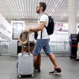 Det er slut med store rullekufferter i kabinen, hvis du flyver med Ryanair REUTERS/Edgard Garrido